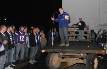Dad speaking to the Fremont team in 2010. Courtesy of The News-Messenger.